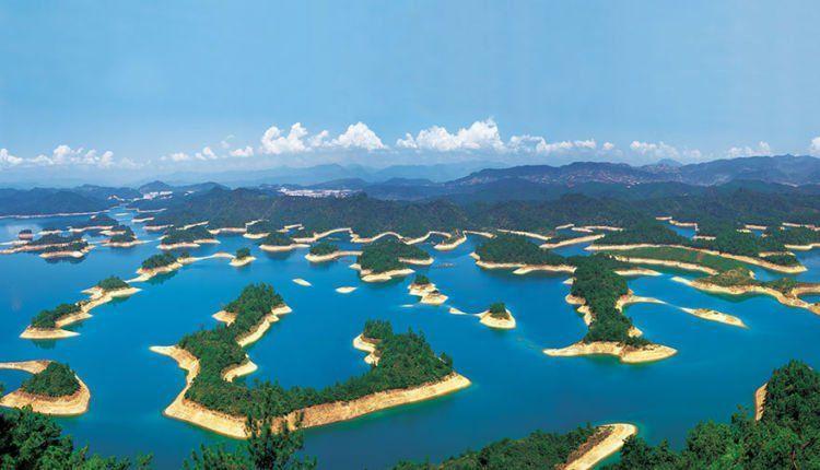 Danau seribu pulau. Hayoo, beneran ada seribu nggak pulaunya?