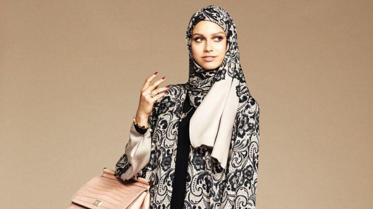 dolce-gabbana-lance-une-collection-de-hijabs-et-abayas-3_5493408