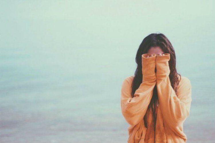girl-sad-sea-tumblr-Favim2