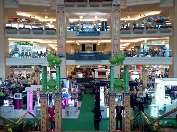 Mall-mall penuh diskon saat ramadhan