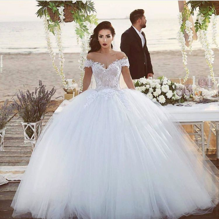 Lucuk wedding dress-nya~