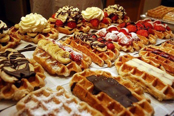 Kuliah di Belgia, biar bisa sarapan ini tiap hari sambil memandang Manneken Pis.