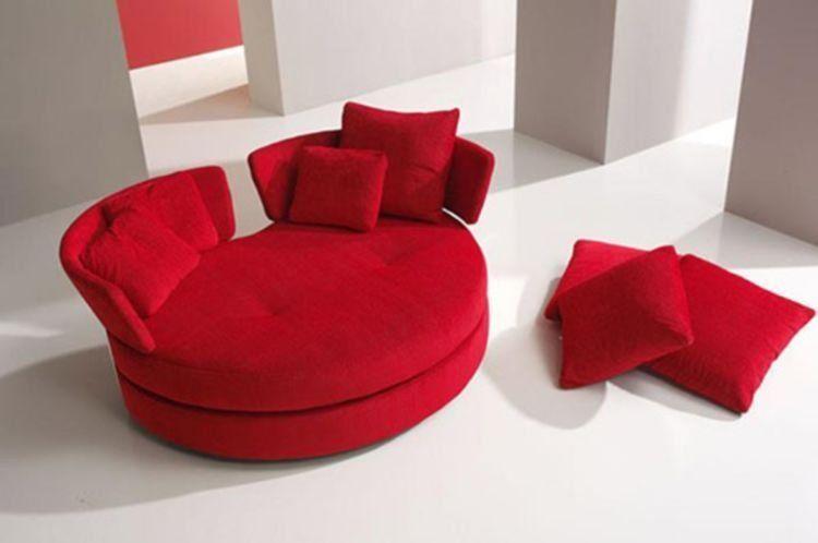 sofa merah :3