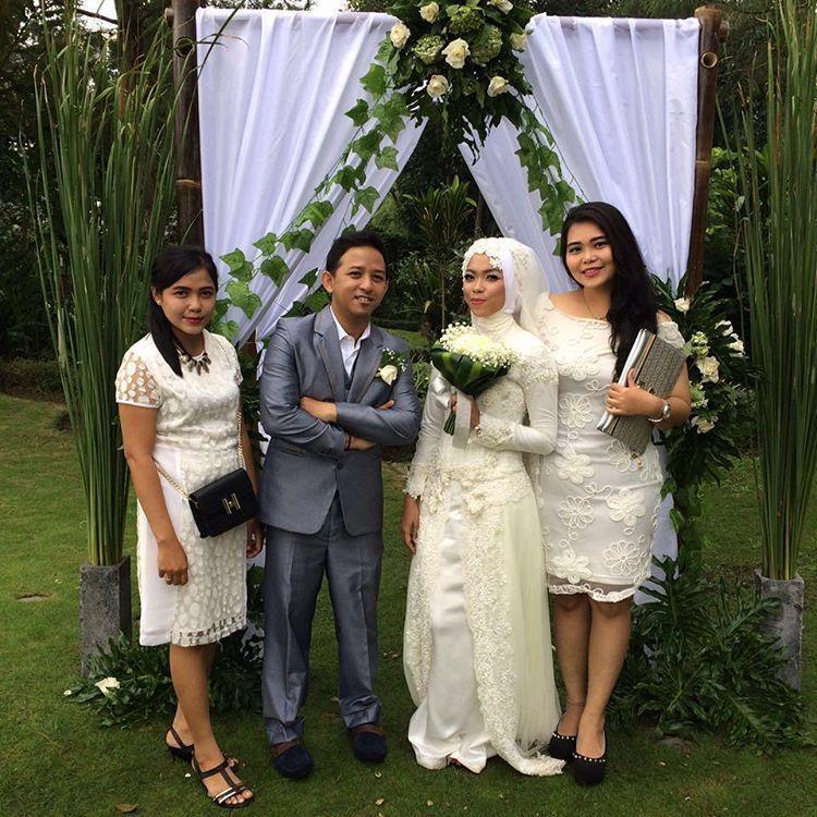 altar pernikahan cantik ala outdoor!