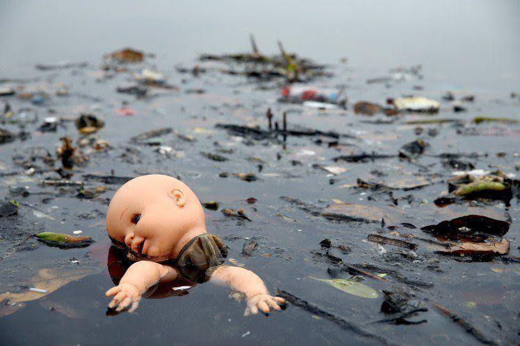 sampah benar-benar menyebar ke seluruh penjuru dunia