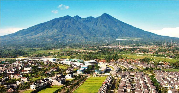 View Gunung Salak.