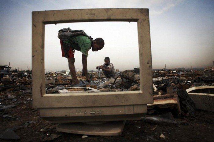 Ghana, tempat pembuangan akhir sampah elektronik dunia.