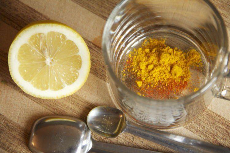 ramuan kunyit dan perasan jeruk lemon
