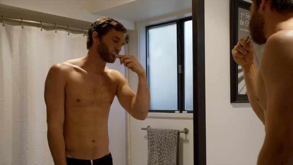 5 hal ini dilakukan cowok untuk memangkas waktu mandi for Salle de bain homme