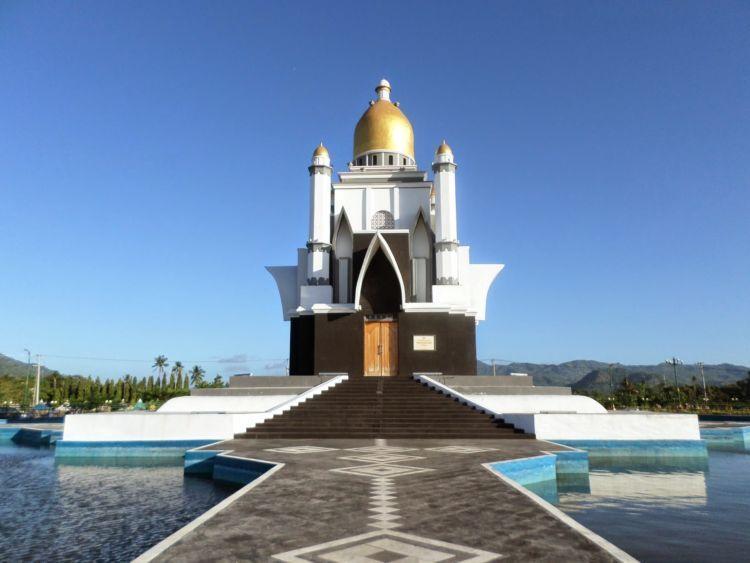 Pulau seribu masjid!