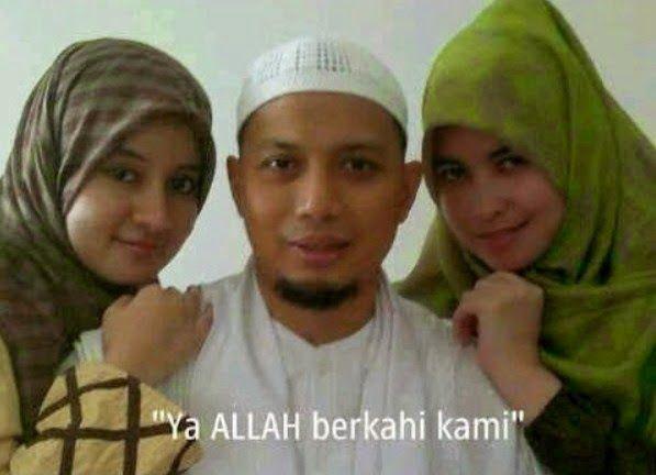 KH Ustadz Arifin Ilham dan Istri-istrinya