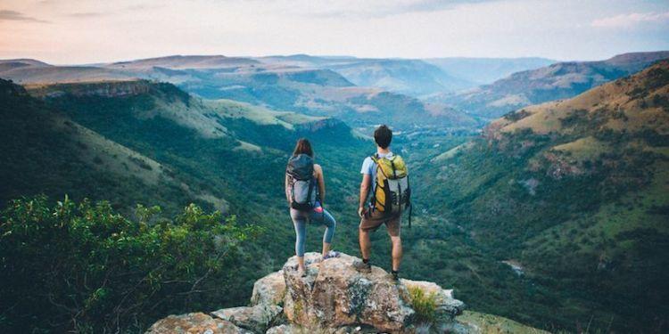 Mendaki gunung adalah hobi yang punya nilai saat dicantumkan di CV.