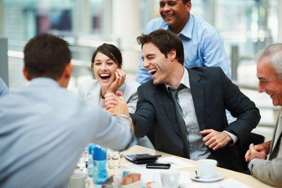 Mereka yang supel biasanya bisa menciptakan atmosfir kerja yang menyenangkan.