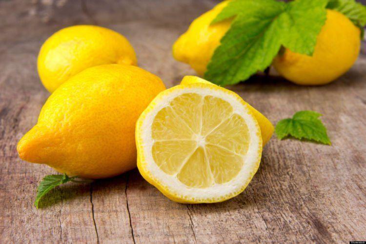 vitamin C dalam jeruk lemon efektif cerahkan kulit