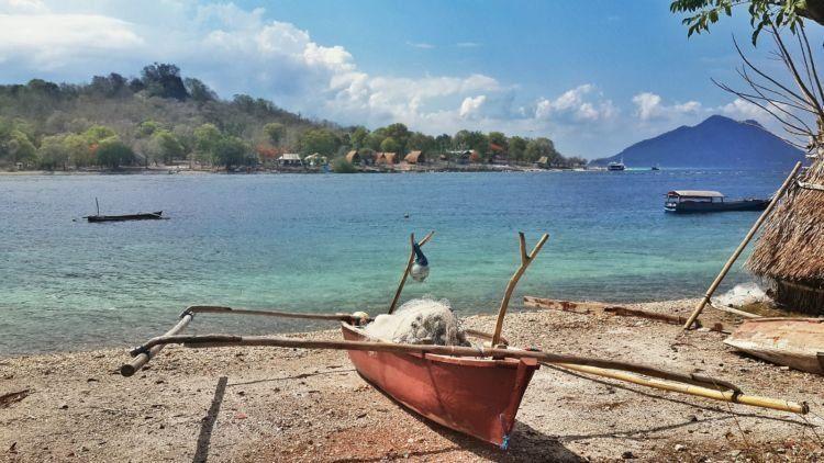 DI pulau yang indah ini...