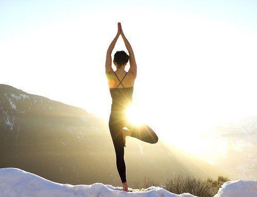 Yoga membantumu mengendalikan diri.