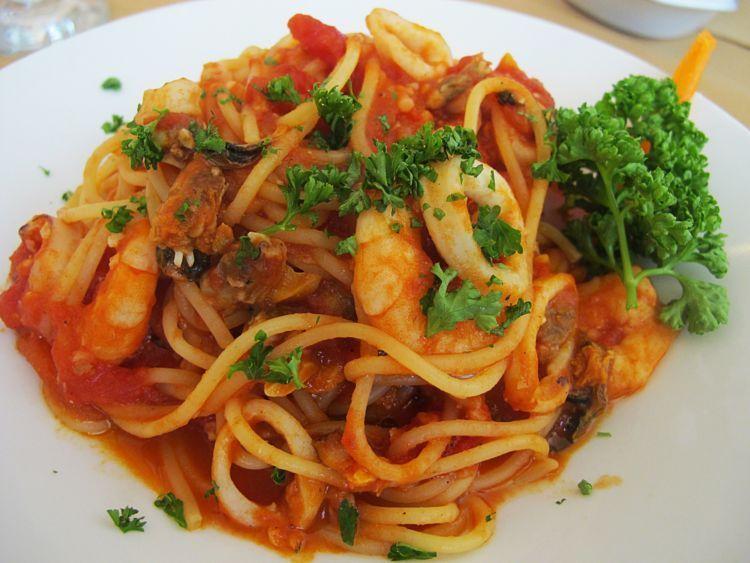 spaghetti seafood marinara