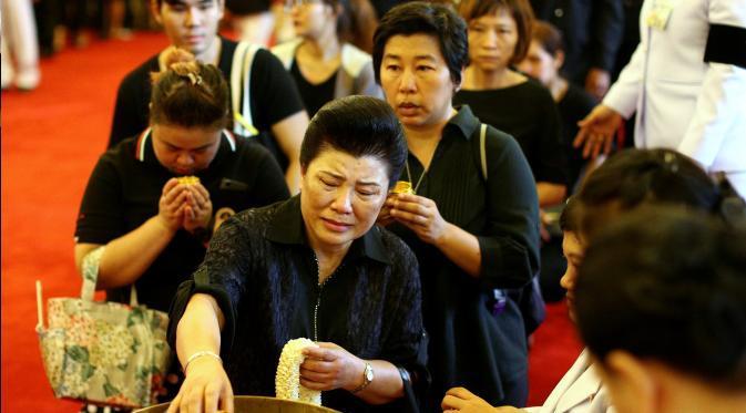 Thailand sedang meratap, Thailand sedang berduka