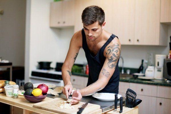 Udah ganteng, pinter masak :)