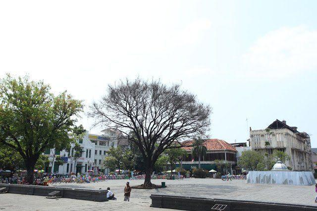 ini alun-alun museum Fatahillah