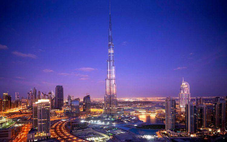 kalau kamu belum tahu, ini yang paling tinggi namanya Burj Khalifa