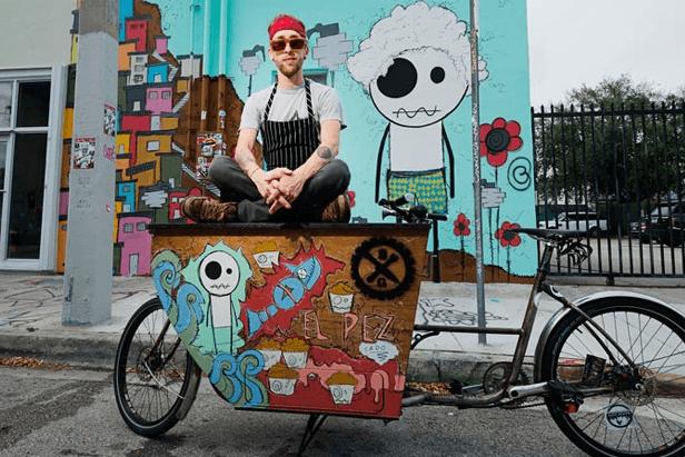 Dengan food bike nyentrik ini, kamu bisa jajakan es krim home made.