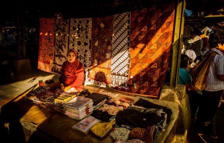 penjual batik tradisional
