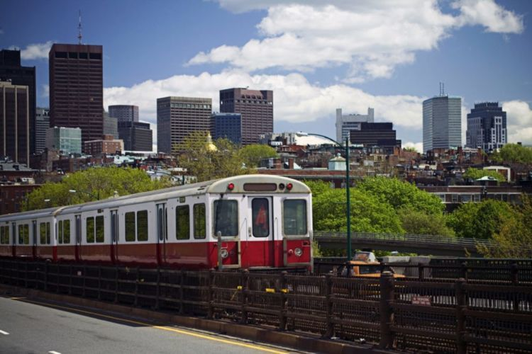 Kereta Red Line