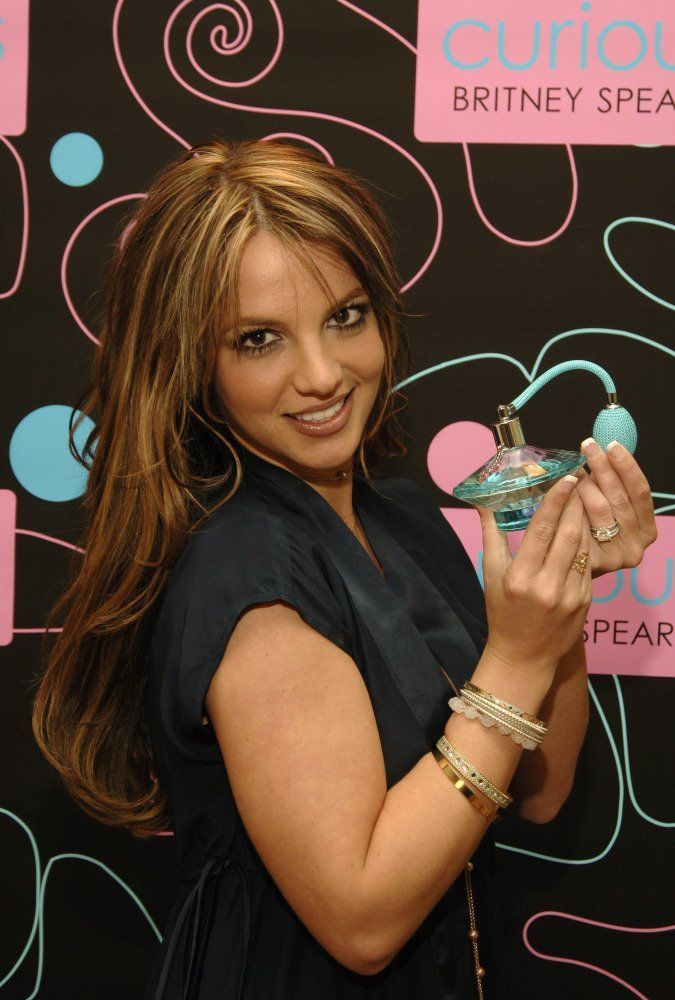 wangi karena parfum ;))