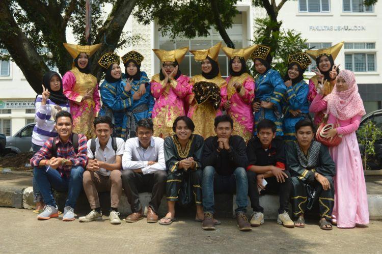 Mahasiswa Minang.