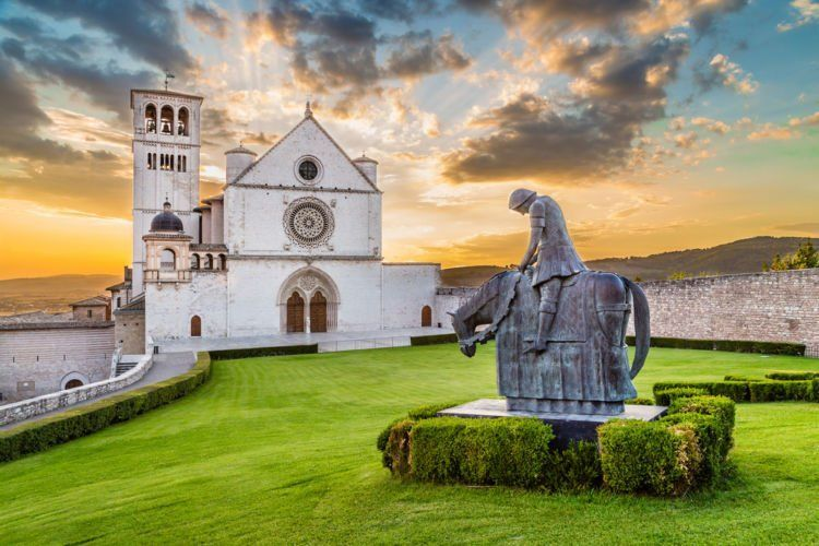 Umbria terkenal sejarah religinya