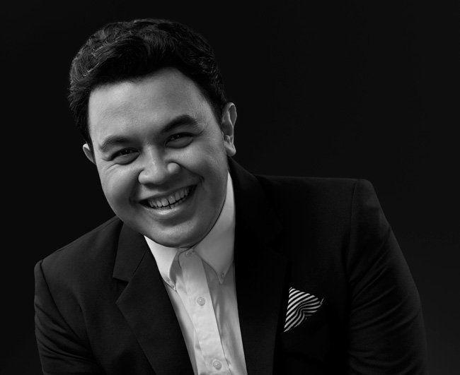 Tulus, penyanyi muda berbakat berdarah Minangkabau.
