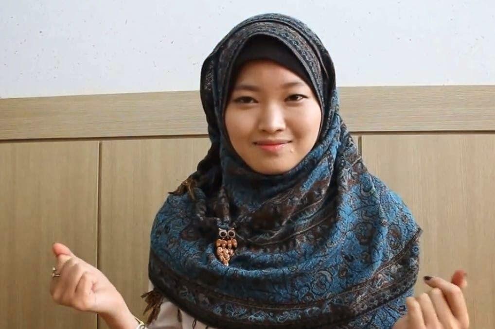 Jangan Salah Pilih Warna Hijab Sesuaikan Dengan Warna