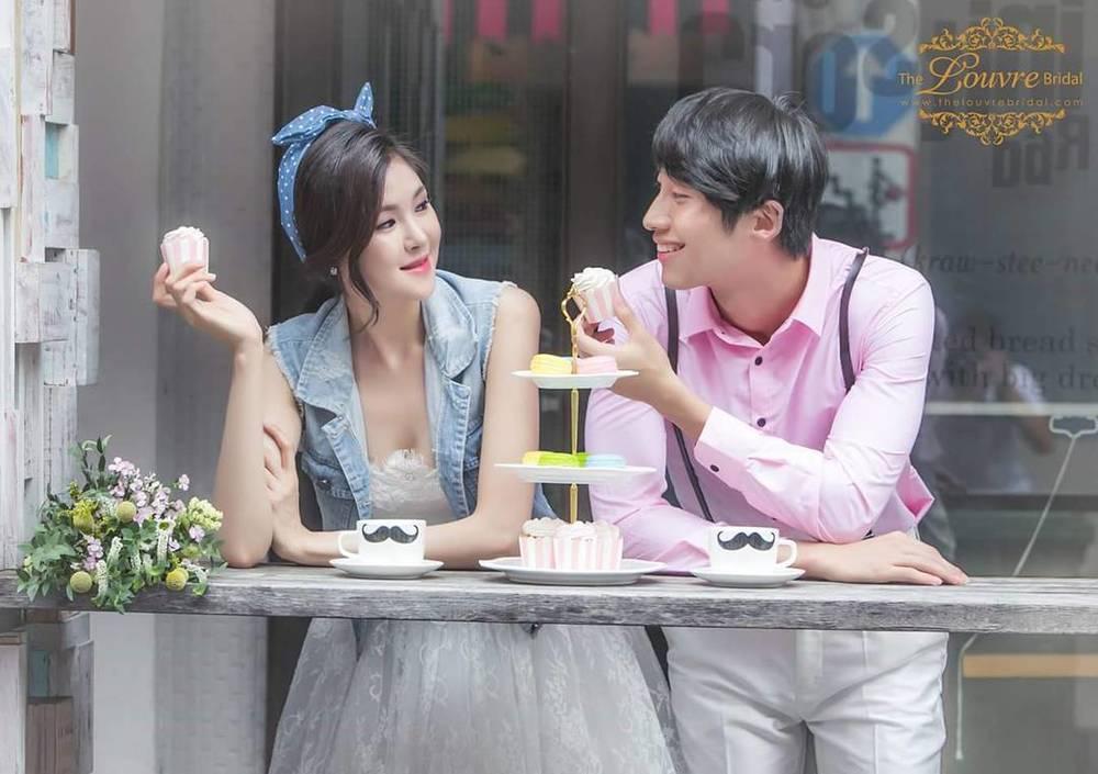 8 Tempat Romantis Untuk Wedding Outdoor Yang Bikin: Romantis Dan Lucu, Inilah 13 Pose Foto Prewedding Pasangan