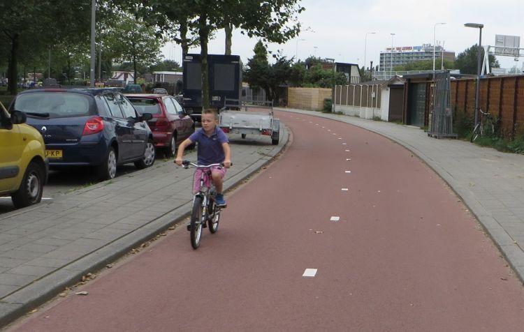 Anak-anak Belanda memeroleh kebebasan untuk bermain.