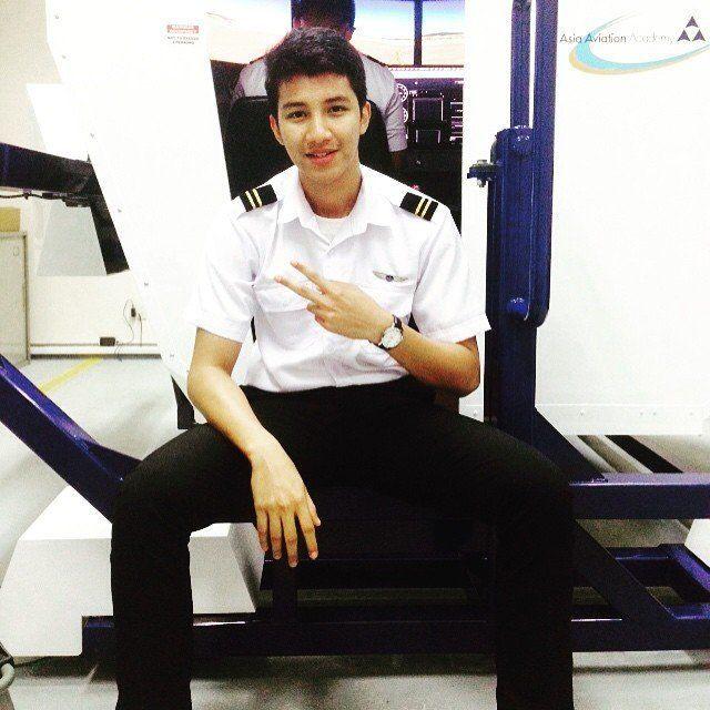 Pilot ganteng