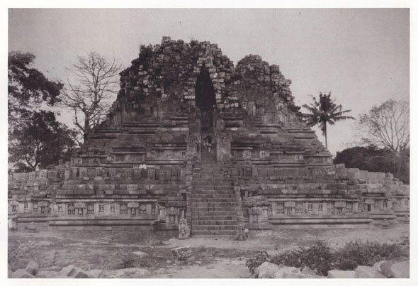 Reruntuhan Tjandi Prambanan, 1890.