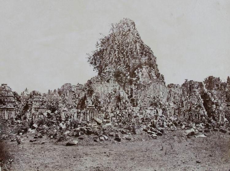 reruntuhan candi sewu