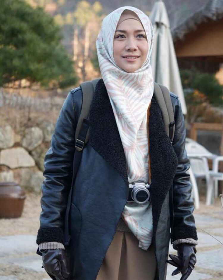 shooting-film-jilbab-traveler-love-sparks-in-korea-7
