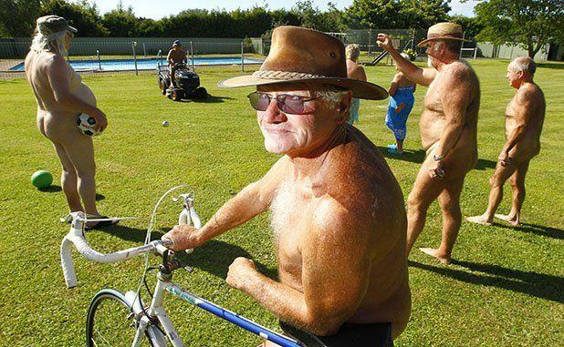 040113 News - Photo: Mark Taylor Waikato Times .ce Nudist Recrutiment Drive. Matangi. Keith enjoys the day.