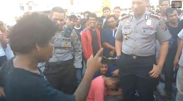 di depan Pak Polisi, tjoy!