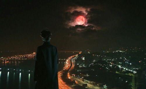 Bulan Memerah