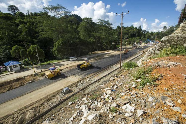 proyek pelebaran jalan sudah dimulai