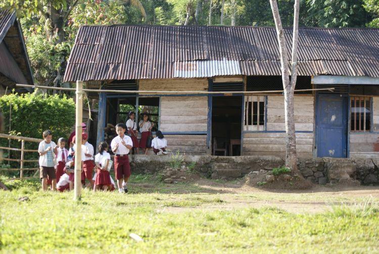 fasilitas pendidikan yang tak layak