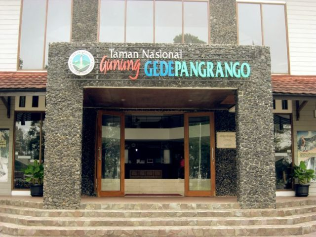 Kantor TNGGP untuk penukaran simaksi