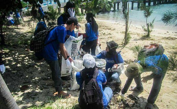 event mangrove dan susur pantai