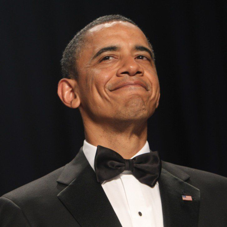 Tahun 2011, ekonomi Amerika sedikit membaik. Oh iya, di tahun tersebut musuh bebuyutan AS, Osama bin Laden, juga terbunuh dalam serangan yang dilancarkan militer Amerika. Pantes senyumnya...
