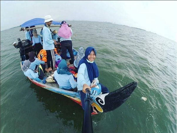 anak perikanan lagi praktikum laut