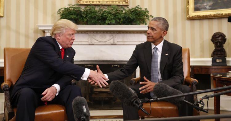 Tuh liat, Obama makin keliatan tambah tua dan pusing. Yah, penerusnya gitu sih... Hehe