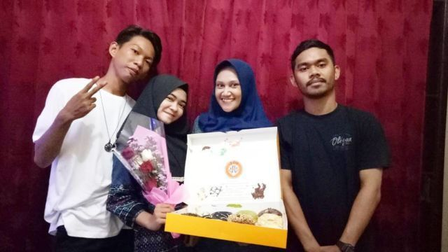 Thank you so much my second family, although this is not complete, but i can feel the simple happiness👭👬💝